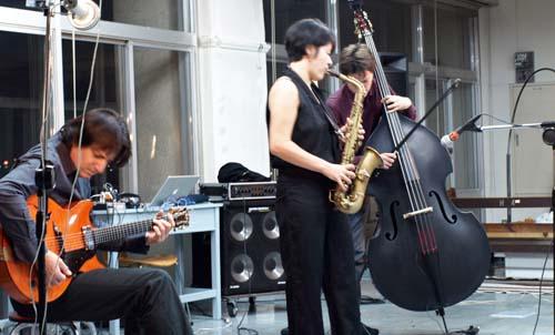 trio01.jpg