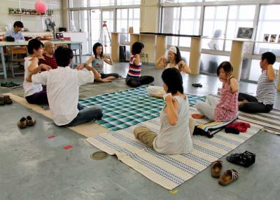 110918fushigino_yoga.jpg
